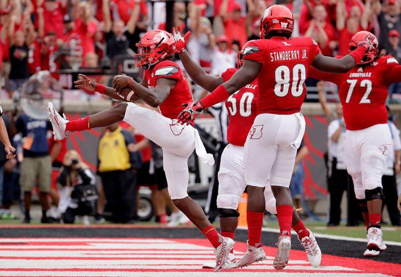 cardinals-celebrate